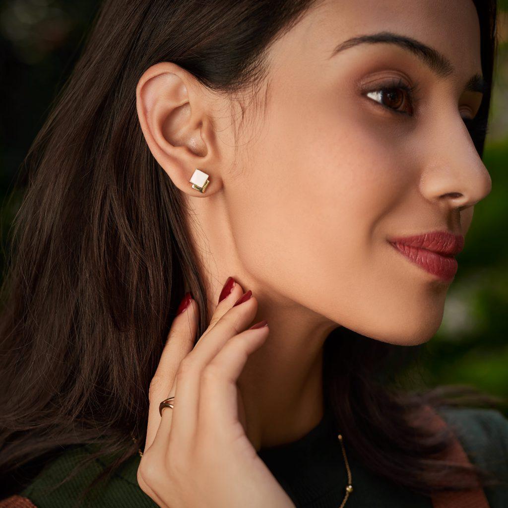 gold studs gold stud earrings white enamel earrings buy gold jewellery online