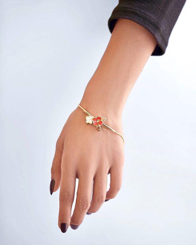 gold bangle gold jewellery enamel jewellery