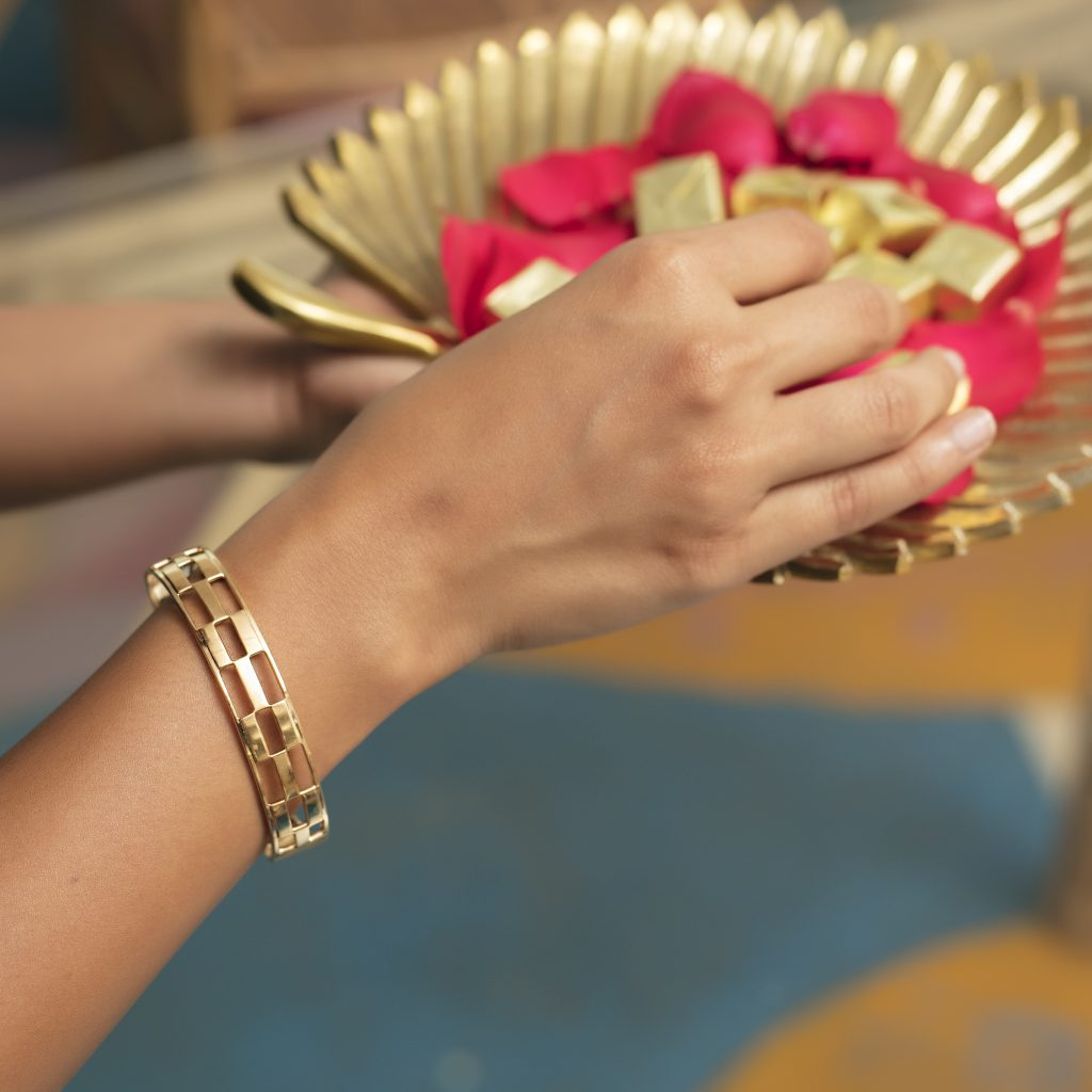 gold bangle gold jewellery buy gold jewellery online