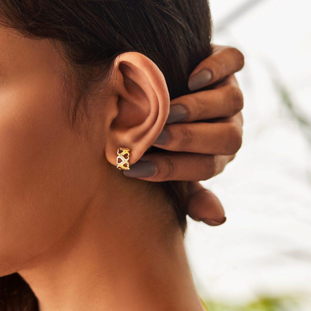gold jewellery stud earrings gold studs heart studs buy gold jewellery online