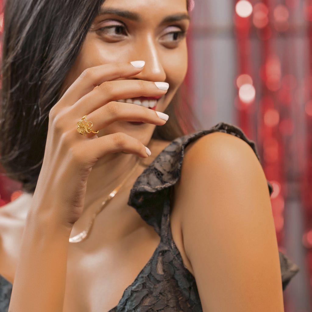 Trendy gold jewellery