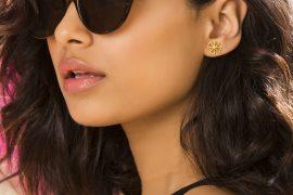 gold earrings for jeans