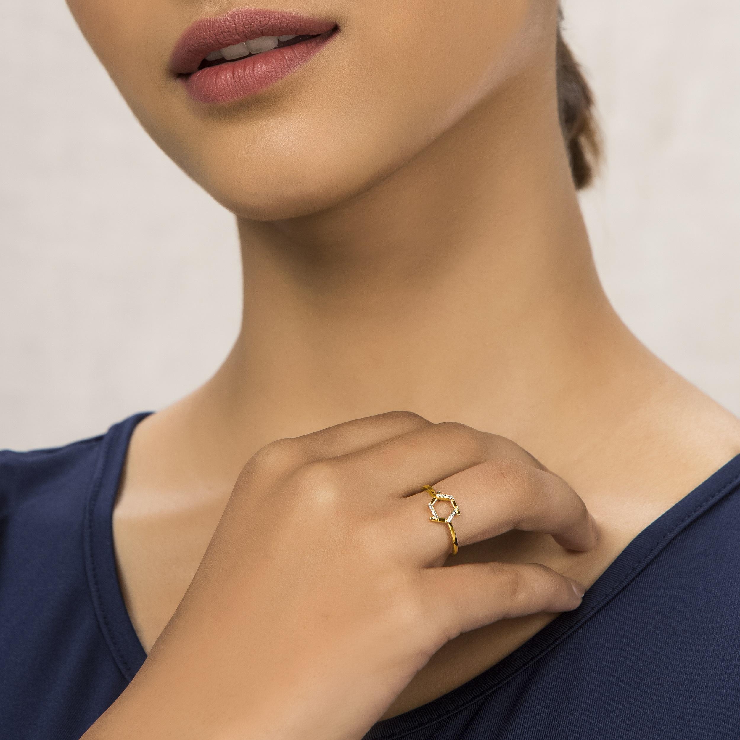 Hexa Fab diamond ring