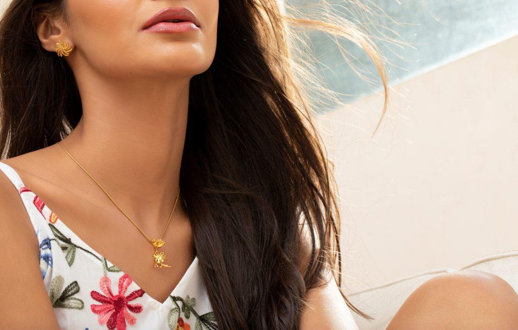 Joy O Flora Gold Pendant