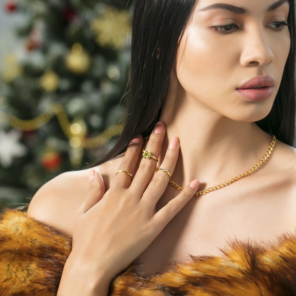 Olive Diamond Finger Ring