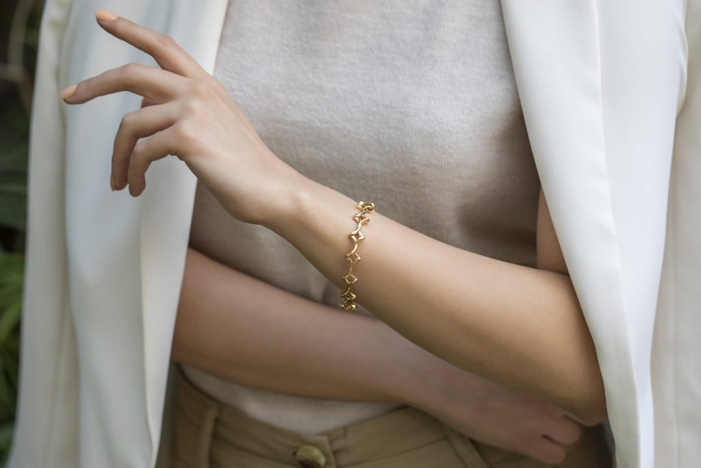 gold bangle for everyday
