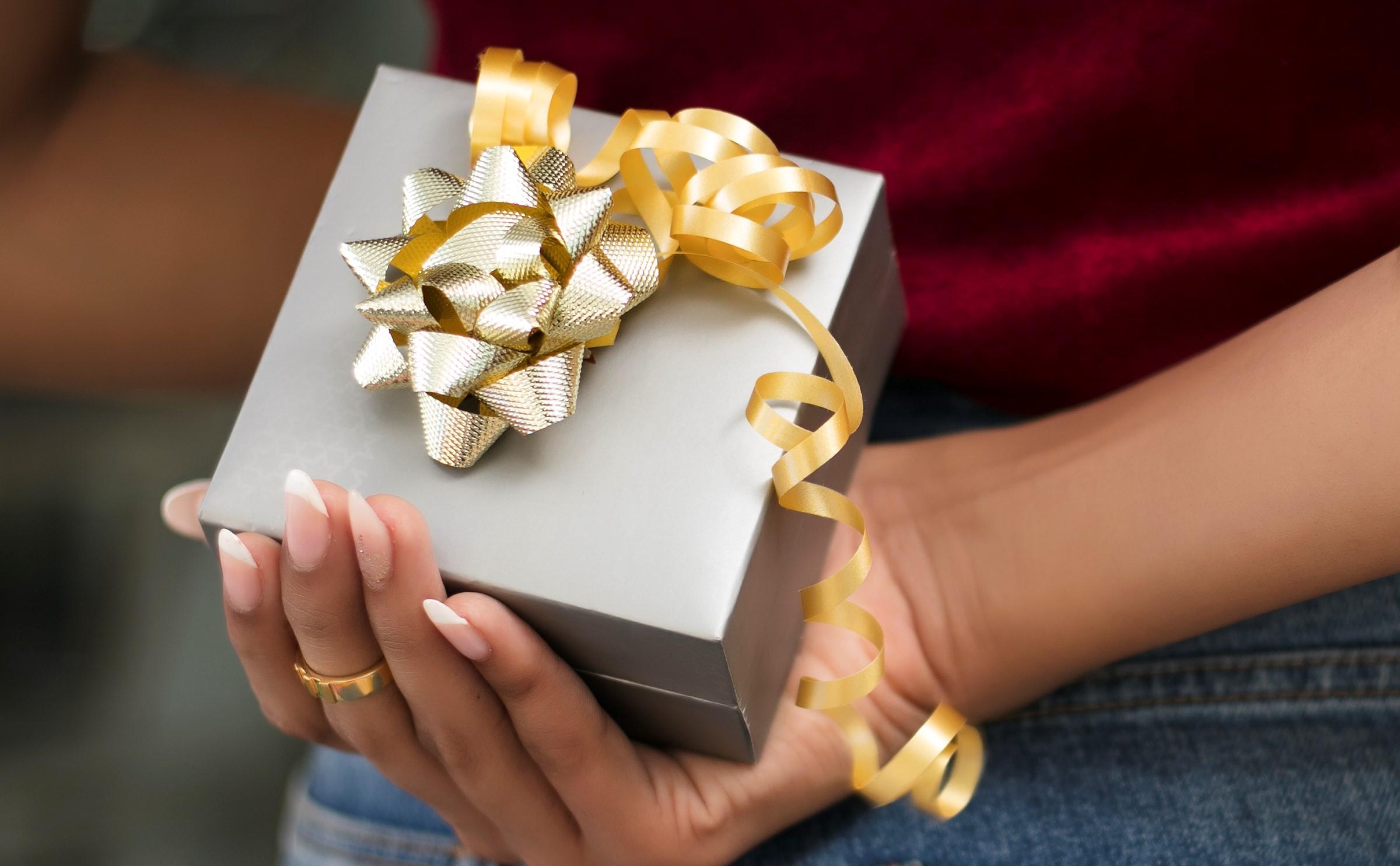 7 Rakhi Gifts Ready to Ship! #WithLoveMelorra